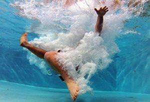 pool-519453_640